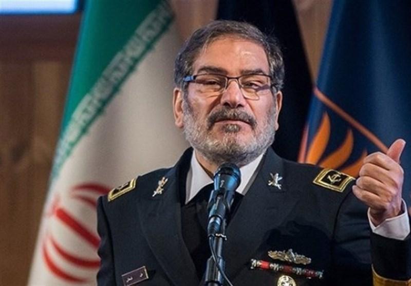 شمخانی: ایران با مقاومت فعال و همبستگی ملی از چالش ها عبور خواهد نمود