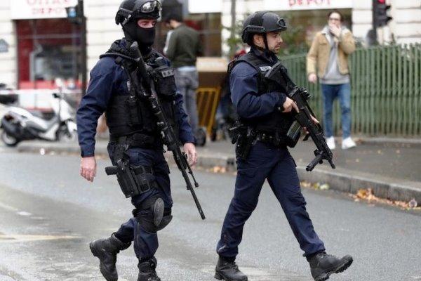 شنیده شدن صدای انفجار قوی در پاریس، احتمال شکسته شدن دیوار صوتی