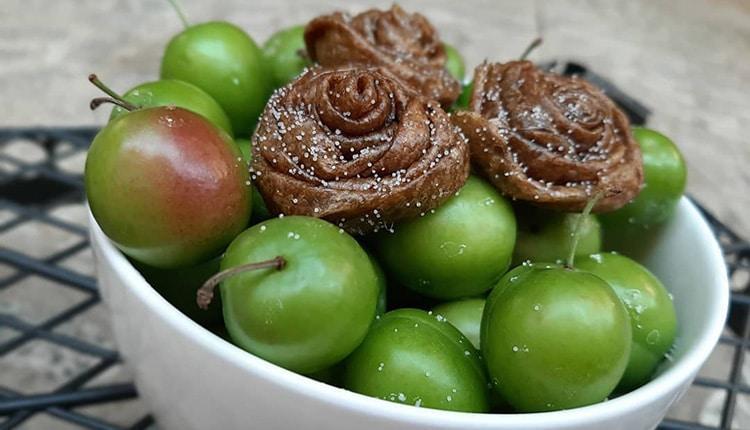طرز تهیه لواشک گوجه سبز ترش خانگی ساده و ترکیبی