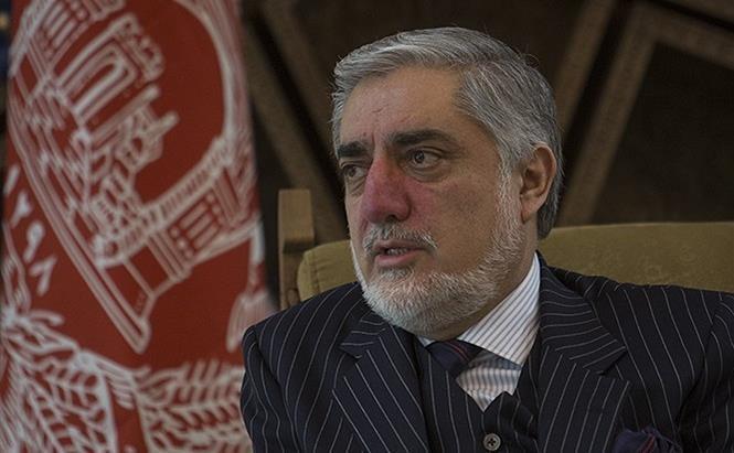 عبدالله عبدالله، مذاکره کننده ارشد افغانستان با طالبان وارد پاکستان شد