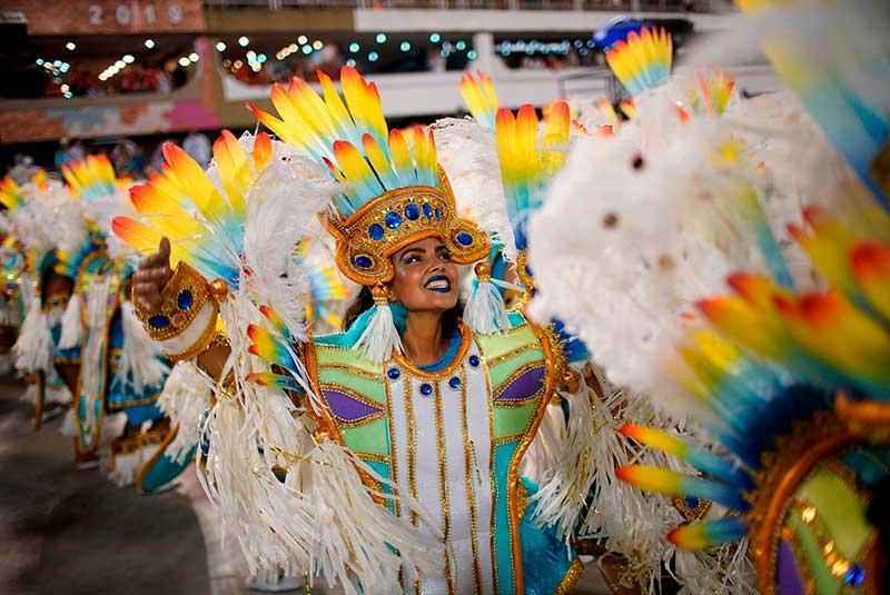 از فستیوال های رنگارنگ برزیل چه می دانید؟