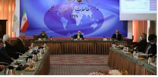 ظریف: وزارت امور خارجه توسعه گرا، باید یک دستگاه سیاسی و مالی باشد