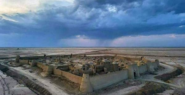 قلعه رستم؛ بنایی باشکوه در کویر سیستان