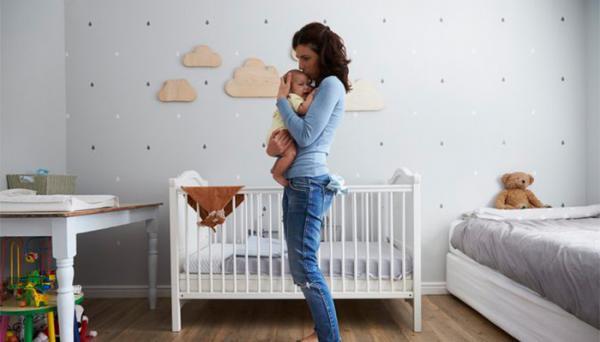 8 دلیل بی قراری نوزاد در خواب