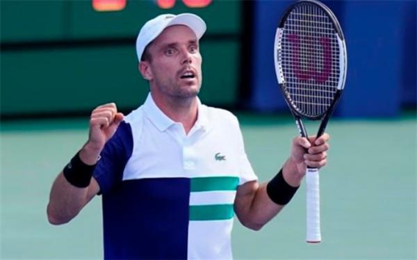 تنیس اوپن بارسلونا؛ بائوتیستا برنده نبرد اسپانیایی شد
