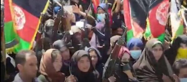 زندگی با طالبان؛ زنان بدون محرم بیرون نیایند و مردان ریش بگذارند